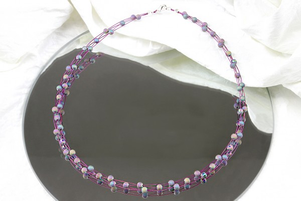 X-Kette auf Draht | Collier halsnah | lila Halskette, kurz, Perlen