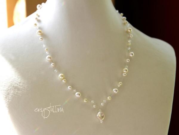 Braut Collier | Schwebeschmuck aus Kristallperlen von Swarovski®