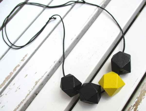 Bandkette schwarz-gelb | Halskette für Fußballfans
