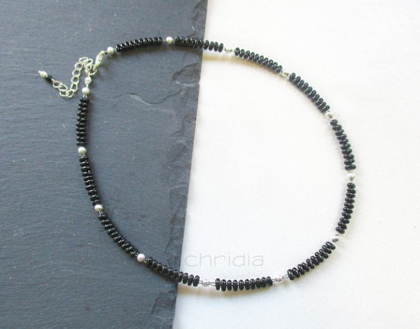 Zierliches Collier | Halskette | Twin-Beads | schwarz + silber
