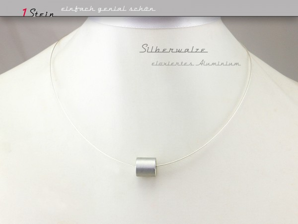 Halskette kurz | Draht Collier | silberne Aluminiumwalze, eloxiert auf Juwelierdraht