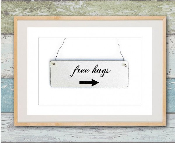 Shabby Druck | free hugs, Emaille-Look