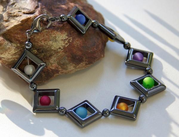 Armband | Hämatit-Rauten und Polaris© Perlen