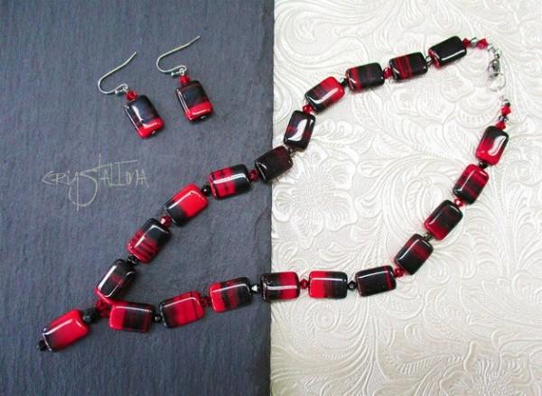 Schmuckset | aus Swarovski Elements® Perlen und böhmischen Glasperlen | Schwarz + rot, meliert, Edelstahl